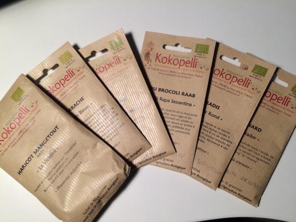 Je ne sème que des graines de Kokopelli pour avoir des variétés anciennes et reproductibles. La qualité nutritive en dépend donc c'est très important de choisir sa source.